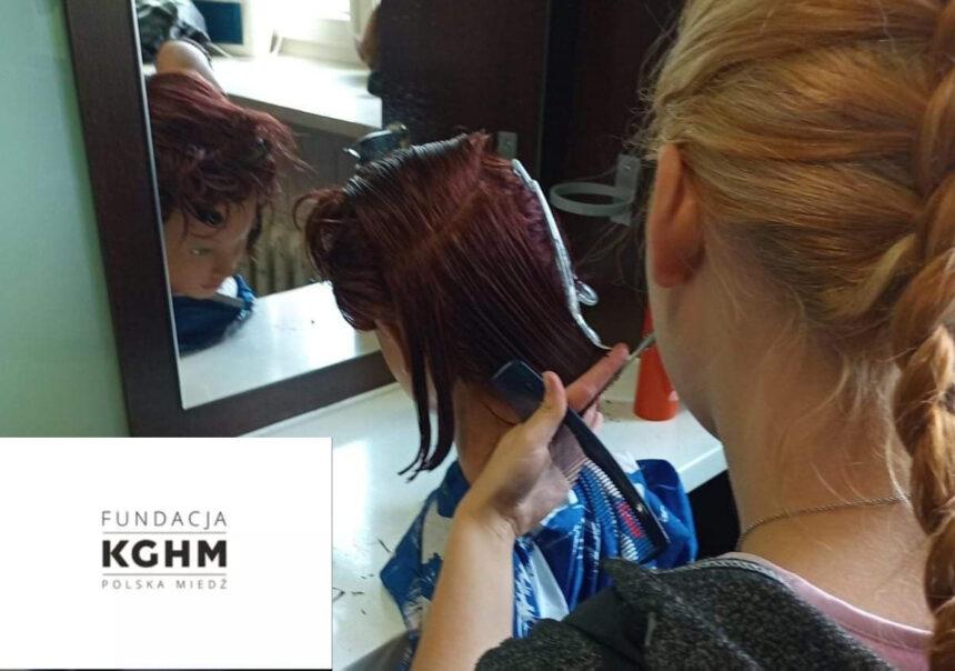Zajęcia w pracowni fryzjerskiej